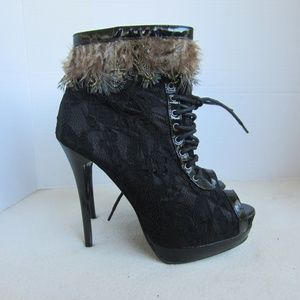 2 Lips Too Platform Booties Lace & Feathers Sz 6.5